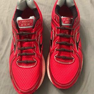 Brooks 8.5 Women's Shoes
